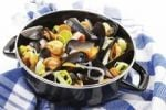 Thumbnail Mussels and vegetable in a saucepan