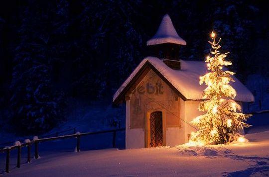 Kapelle, Christbaum, Schnee, Elmau, Bayern, Deutschland, Europa